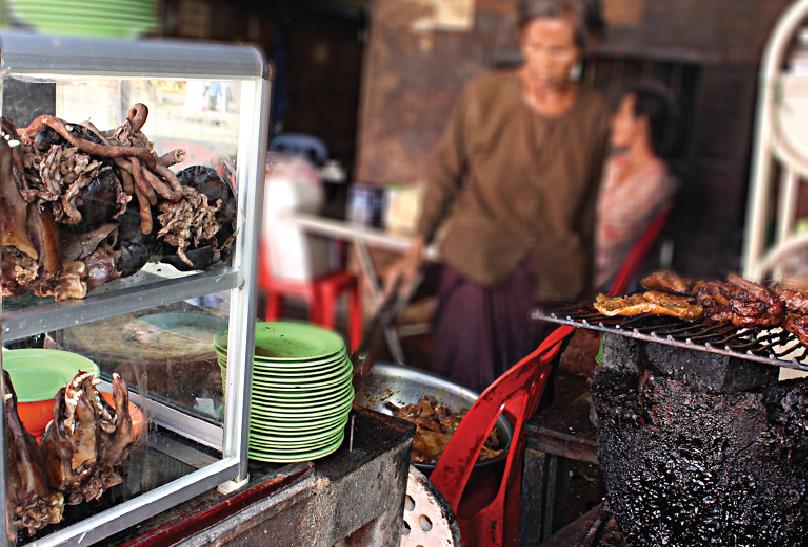 犬を食べる <カンボジア・フォトさんぽ>