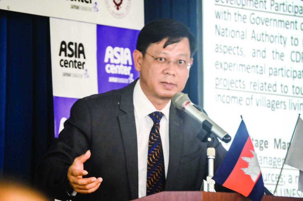 上智大学で講演するハンペウ 総裁