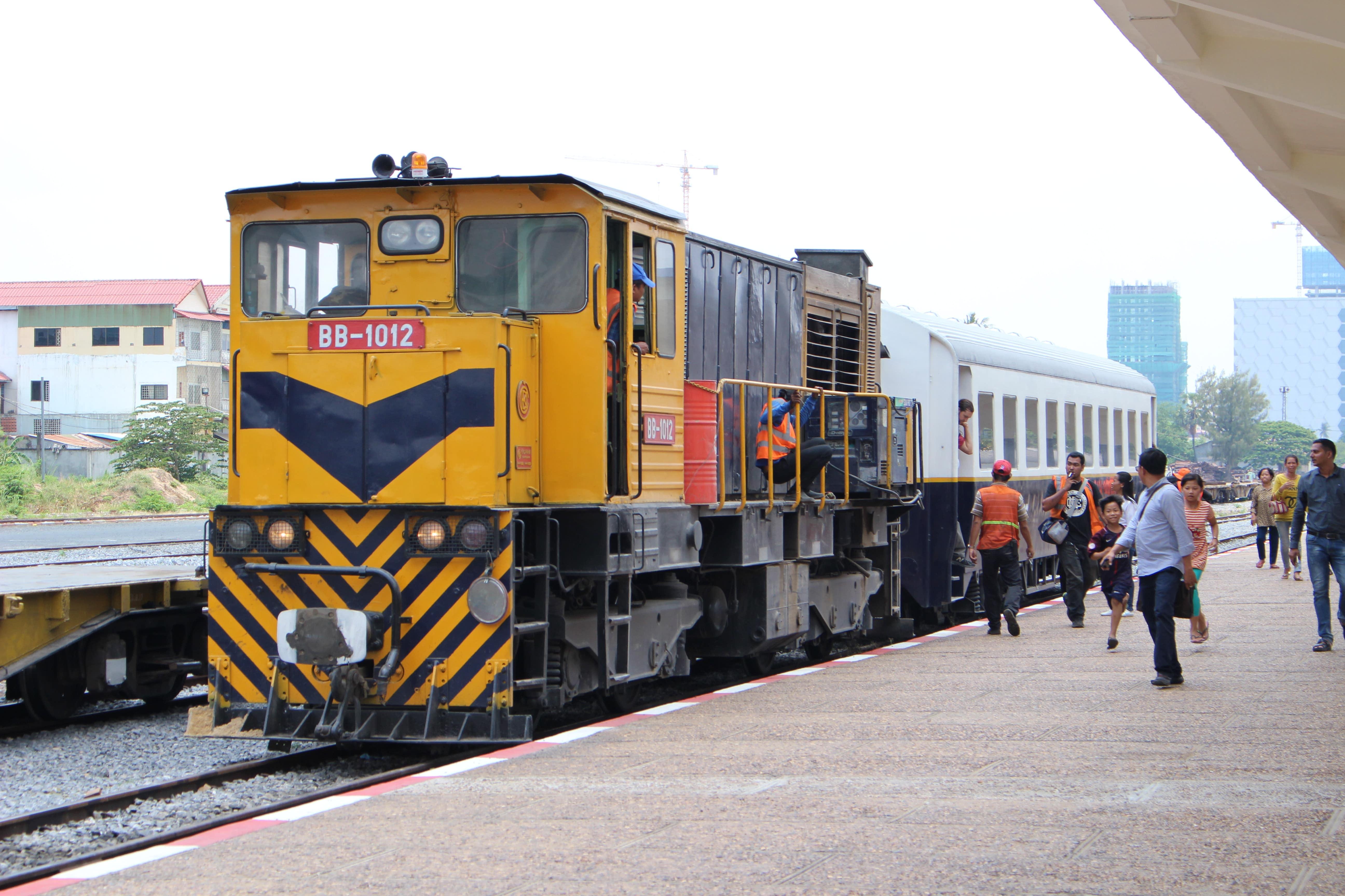 空港〜プノンペン市内間で鉄道が運行開始! タクシーやトゥクトゥクとどっちが便利?